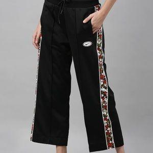 Nike crop pants